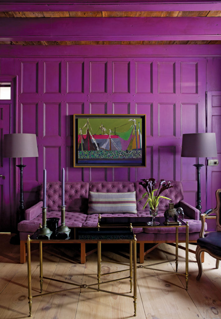 Dramatic use of paint and color, copyright by Eric Piasecki / OTTO; interior design by Steven Gambrel.